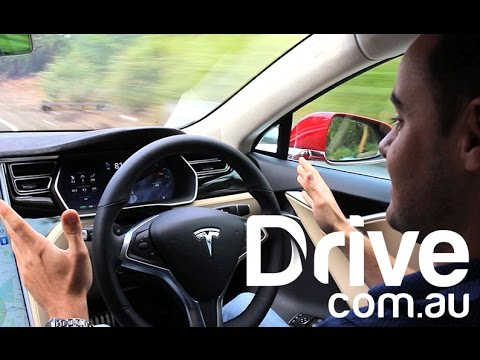 Tesla Autopilot Test: Sydney Harbour Bridge | Drive.com.au