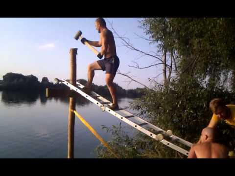 Строим мост для купания возле Фанзоны))