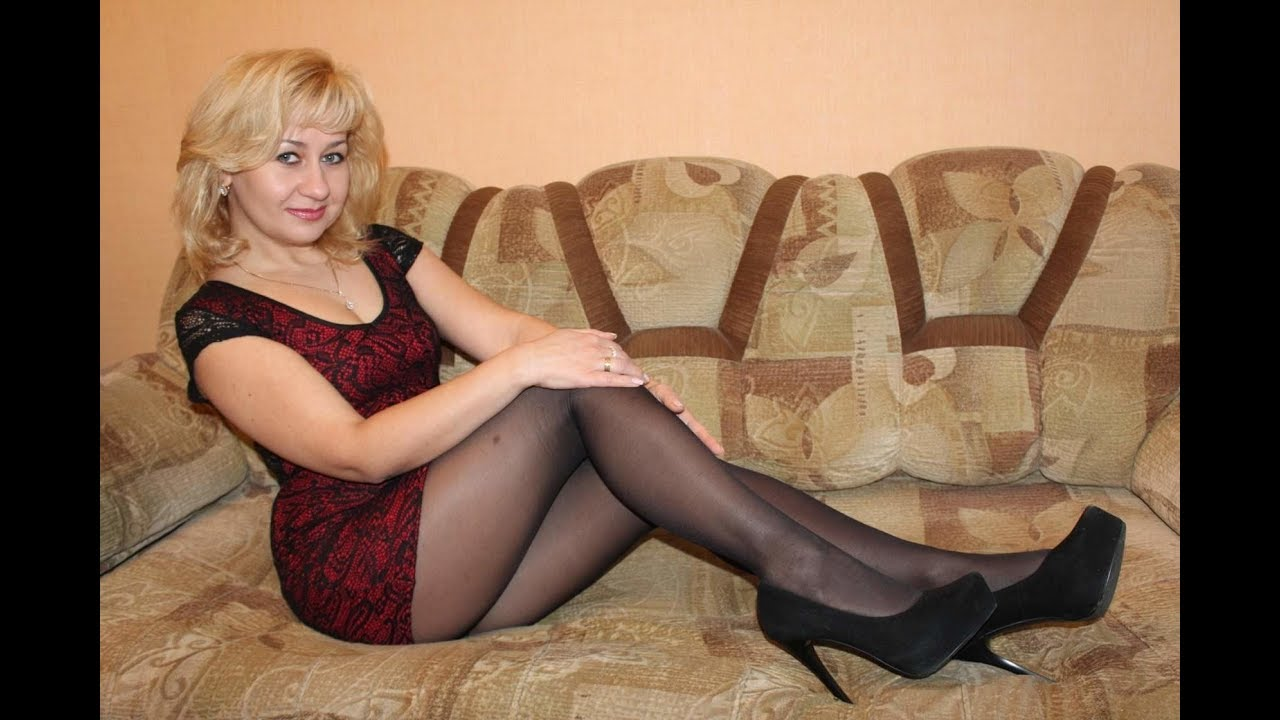Mature women posing in hot nylon what