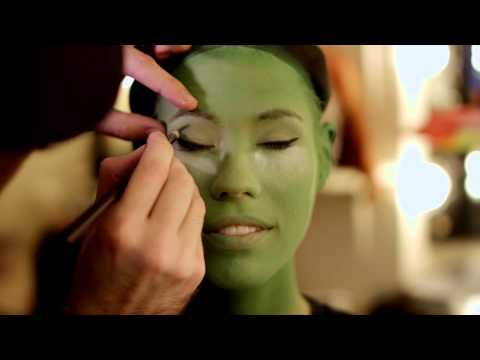 Miss Iowa Nicole Kelly becomes Elphaba | WICKED the Musical