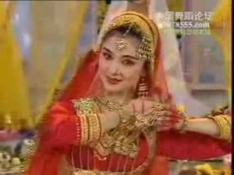 Chinese dancers performing on classical Indian music - YouTube