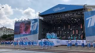 Красная площадь г. Чебоксары Презентация клипа «Течёт река Волга»