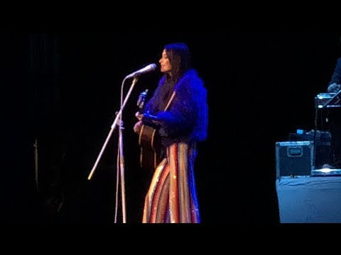 """""""Slow Burn"""" by  Kacey Musgraves Live @ Radio City Music Hall on The Breakers Tour"""