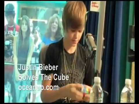 Justin Bieber Solving A Rubiks Cube Youtube