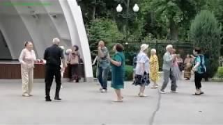 Танцы в парке им. Горького. Ой, хто п'є, тому наливайте. 20 июня 2020.  Kharkiv. Харьков.