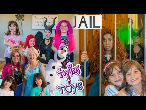 Kate & Lilly FAVORITE Videos With Elsa, Anna, Maleficent, Merida, Ariel And More Princesses!
