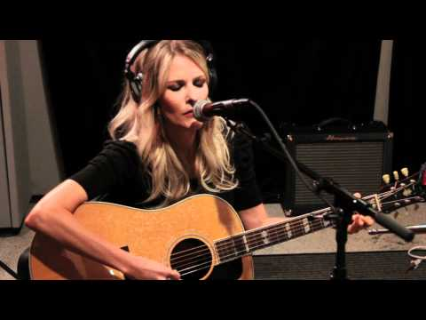 Elizabeth Cook - Heroin Addict Sister (Live on KEXP)