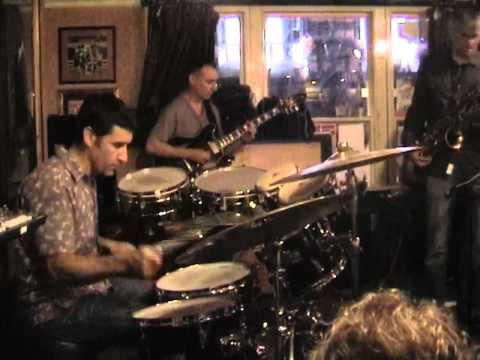 Dave Betts Quartet live at The Old Duke - Clive Radford guitar solo
