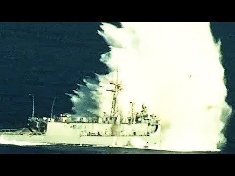 Submarine TORPEDO ATTACK! U.S. Navy SHIP SINKING exercise –
