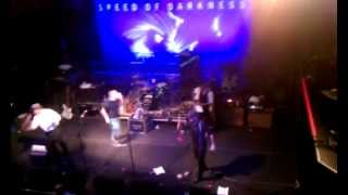 Flogging Molly - Dennis & Bob fall on stage