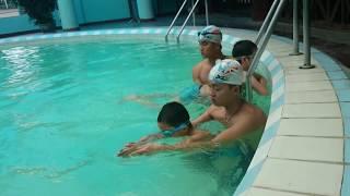 Dạy Bơi - Bé Học Bơi