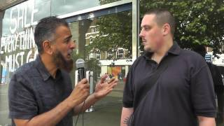 Christian Converts to Islam 'Live' Street Dawa