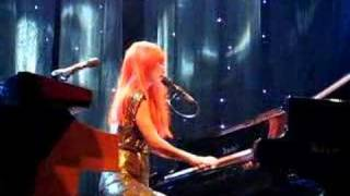 Tori Amos Vancouver 12-03-07 Ruby Through the Looking Glass