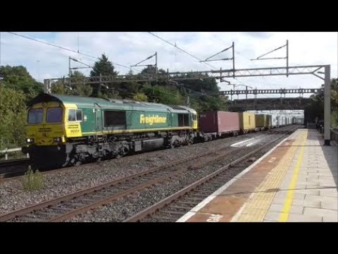 Trains at Cheddington 23/09/17