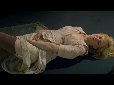 【少年】神秘少女沦为全镇的玩物,在小镇经历梦魇,最终王者归来报复全村