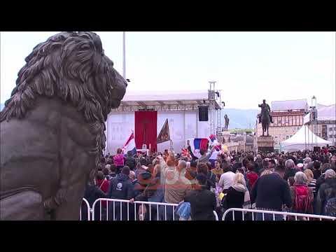 Papa Francesku ne Shkup, mijera besimtare moren pjese ne meshe| ABC News Albania