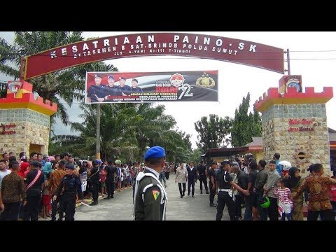 ANTUSIAS WARGA Kota Tebing Tinggi sambut PRESIDEN JOKOWI di Mako Yon-B Pelopor