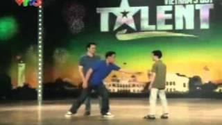 Vietnam's Got Talent - MC bị đánh