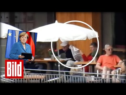 Angela Merkel arbeitet im Urlaub - Kanzlerin liest Akten, Ehemann BILD-Zeitung (Süd-Tirol)