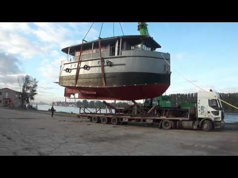 Перевозка и спуск корабля на воду
