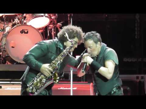 Bruce springsteen the promised land barcelona