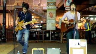 2009年9月8日 大阪・JR天王寺南口ストリート。 On Style(おんすたい...