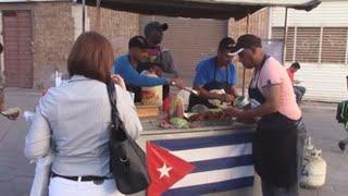 Migrantes cubanos varados en Juárez logran integrarse a la vida económica de la frontera
