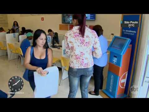 Em meio à crise, setor de Saúde respira e abre novos postos de trabalho - SBT Brasil (24/03/17)