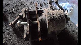 Приспособление для сжатия поршня переднего тормозного цилиндра