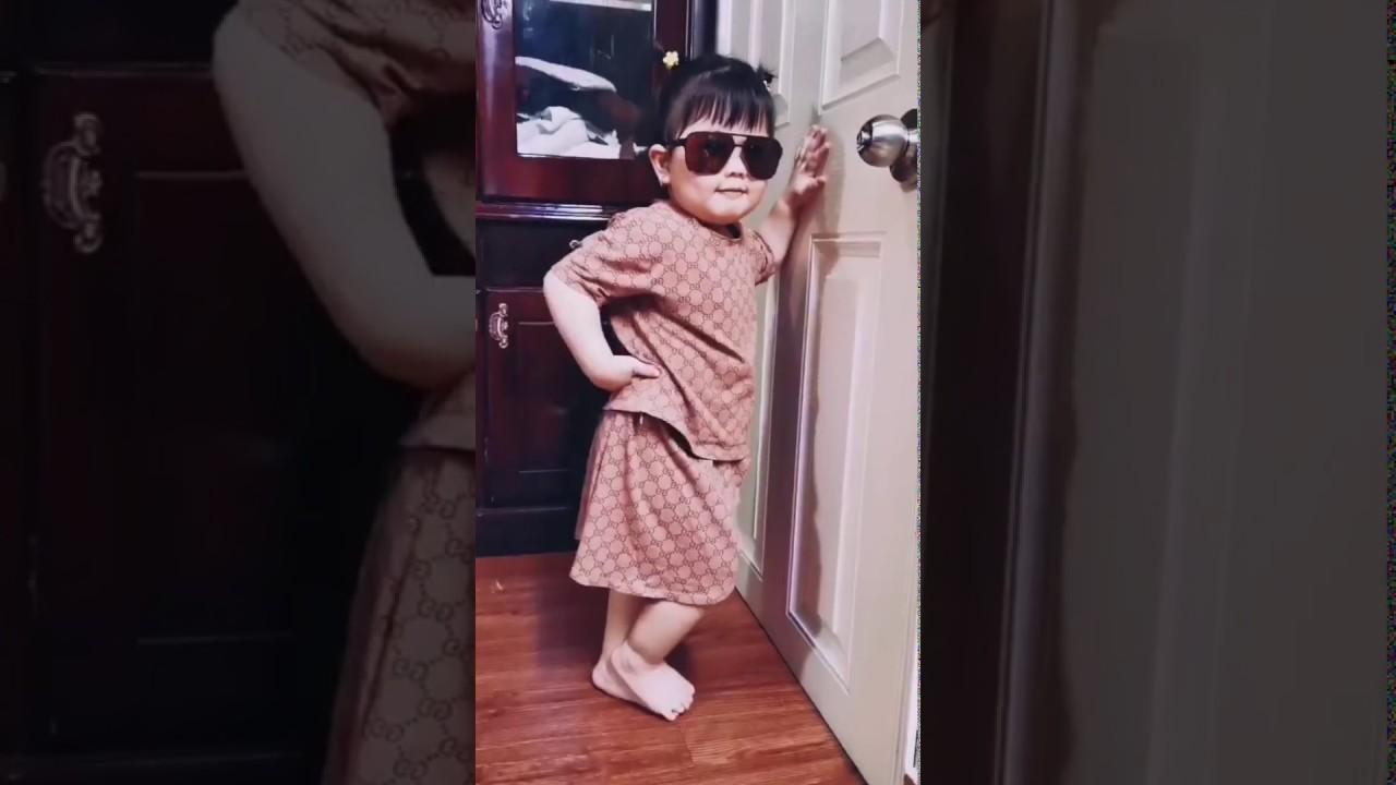 Cháu ruột ca sỹ Uyên Trang làm người mẫu