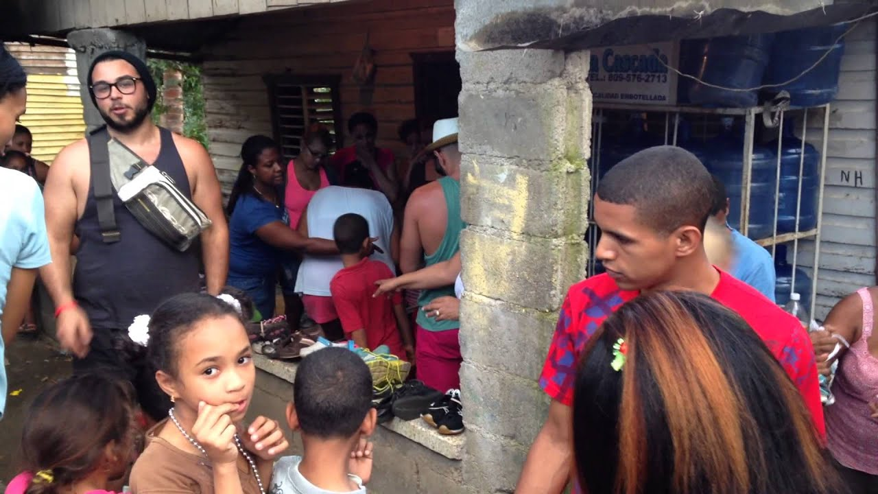 Shoe distribution in San Marcos Puerto Plata Dominican Republic January 2015