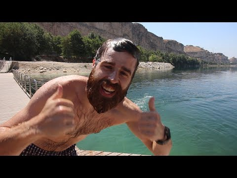 What to do in GAZIANTEP? Go to the river   Peter Ambis Travel VLOG Travelling Beard