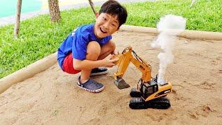 예준이의 자동차 장난감 조립놀이 포크레인 중장비 트럭놀이 Car Toy Assembly with Excavator