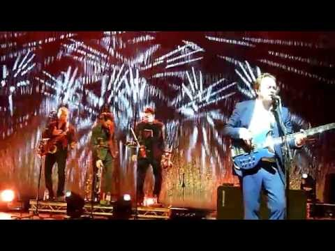 """Mark King Level 42 """"The Sunbed Song"""" Portsmouth Guildhall 18th October 2016"""