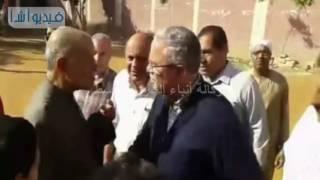 بالفيديو : محافظ المنيا يتفقد مدرسة صفط اللبن ويلتقي أهالي القرية