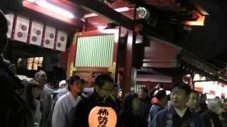 2月3日の大國魂神社での豆まき。参道から境内へ。