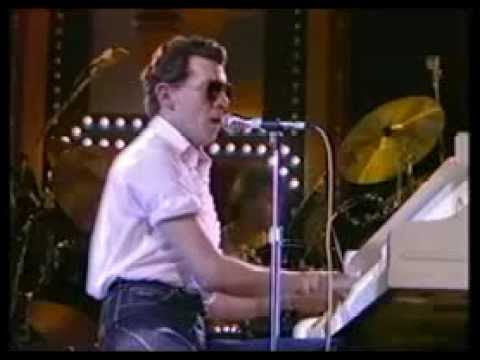 Jerry Lee Lewis, Pick Me Up On Your Way Down, 1982, WEMBLEY