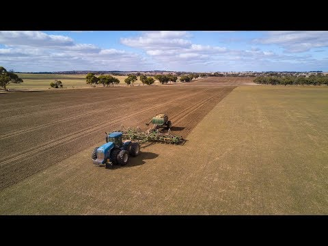 Farming in the West Australian Wheatbelt - East of Narembeen