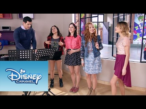 Violetta, Cami, Fran y Naty cantan