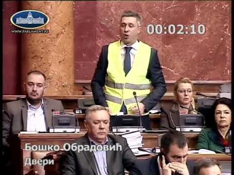 Bosko Obradovic u zelenom (zutom)  prsluku razvaljuje SNS i Sinisu Malog u skupstini !!!