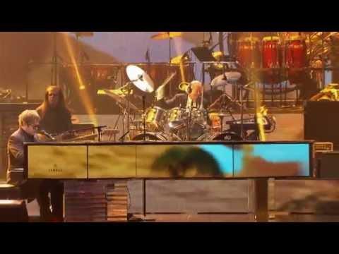 Elton John - Circle of Life (Million Dollar Piano)