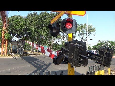 Palang Pintu Baru! - Perlintasan Margorejo Surabaya