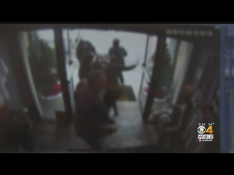 Thieves Steal Canada Goose Jackets From Danvers Store
