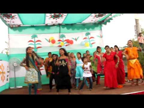 Dhaka slum kids dance to 'Shake It Off'