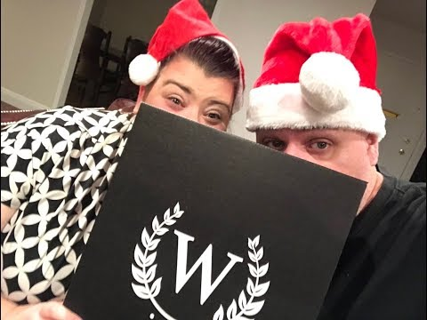 Nikki and I eat and drink our way thru the Nov 2017 Wine Down Box! (HHH Gift Guide #2)