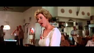 """Отрывок из фильма """"Универсальный солдат"""" / Ван Дамм хочет кушать!"""