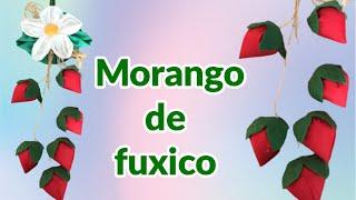 DECORAÇÃO NA COZINHA COM MORANGOS DE FUXICO