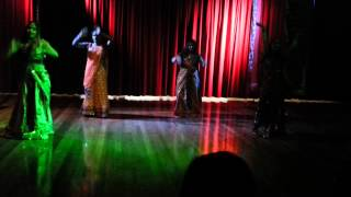Bollywood Remix ( fevicol se, halkat jawani, chikni chameli, 1234, nagada sang)