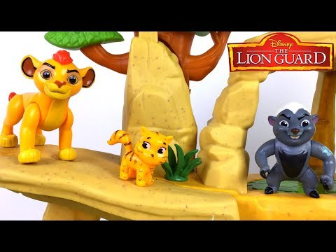 STORY WITH LION GAURD KION AND BUNGA PLAY HIDE AND SEEK FIND BABY TIGER STUCK IN TREES RESCUE IT