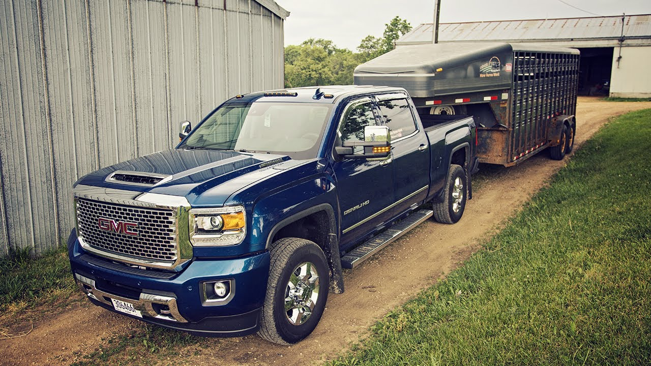 hauling cattle 2017 gmc sierra 3500 denali youtube. Black Bedroom Furniture Sets. Home Design Ideas